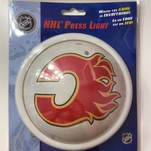 2/$20 🛍️ NHL Calgary Flames Press Light